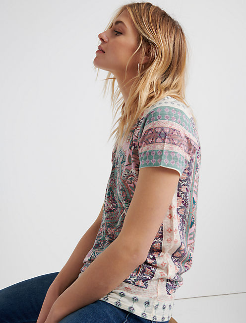 Floral Paisley Allover Te