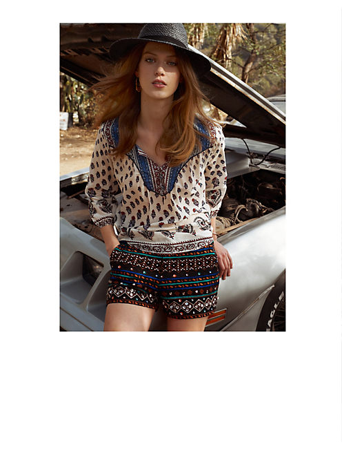 THE ECLECTIC LOOK,