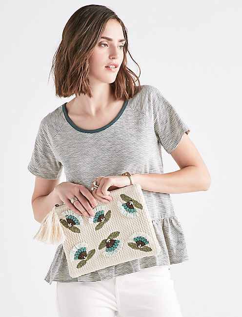 Lucky Raffia Flower Zip Top Pouch