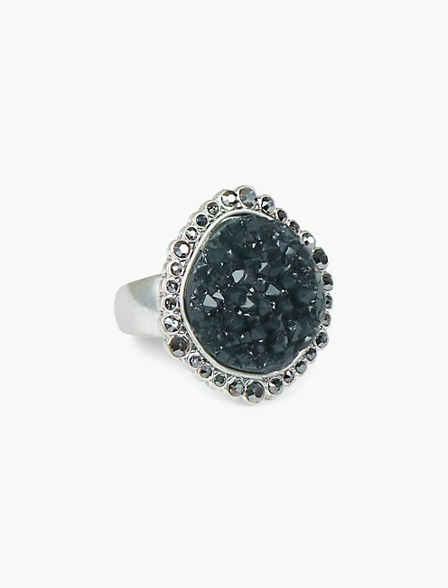 PAVE DRUZY STATEMENT RING,