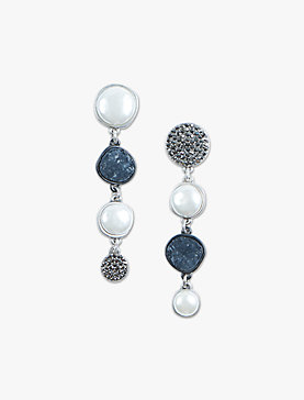 ASYMETRICAL PAVE PEARL DROPS