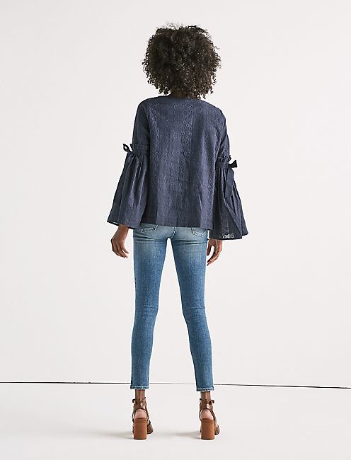 BELL SLEEVE TOP,