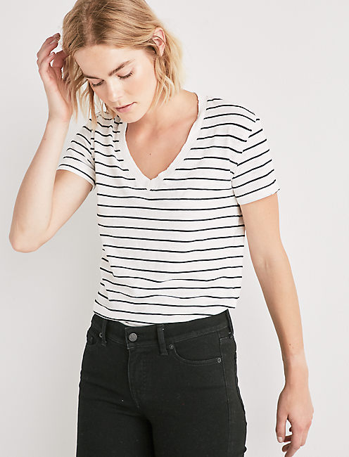 THE ANGELES V NECK STRIPED TEE.,