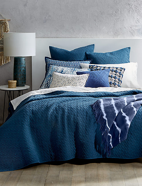 VINTAGE WASH INDIGO TWIN COVERLET,