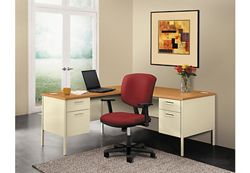 Steel L-Desk with Right Return