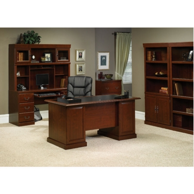 Traditional Executive Office Suite