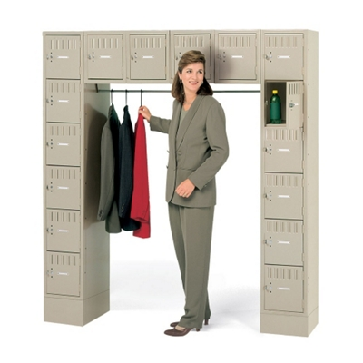 16-Person Locker with Closed Base