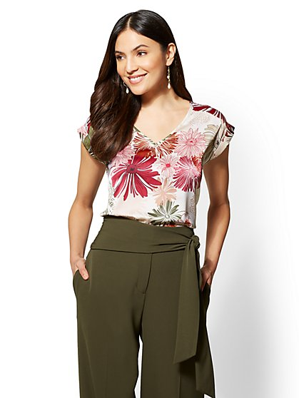 7th Avenue - Petite Red Floral V-Neck Top - New York & Company