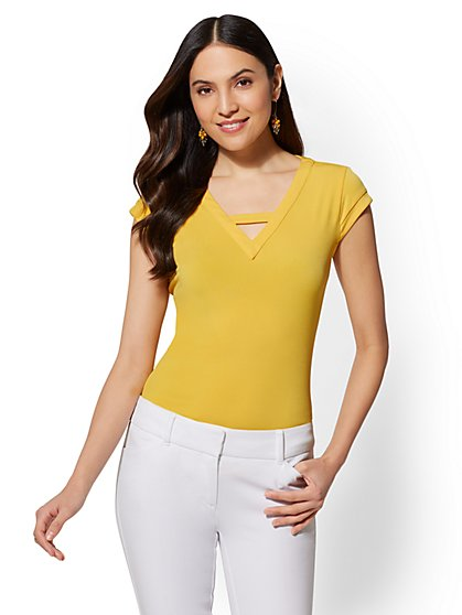 7th Avenue - V-Neck Short-Sleeve Top - New York & Company