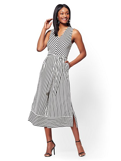 Belted Wide-Leg Jumpsuit - Black & White Stripe - New York & Company