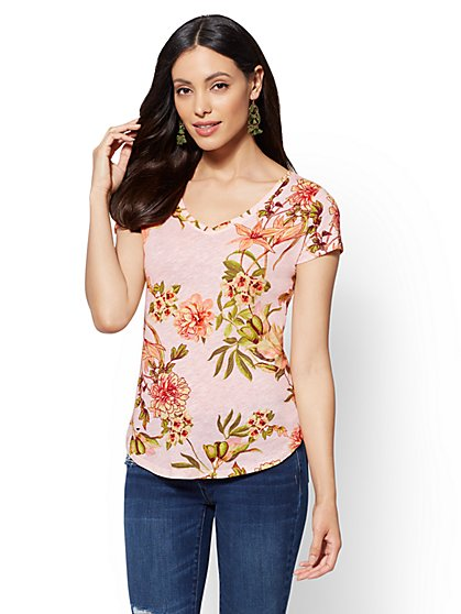 Hampton Floral Cotton V-Neck Tee - New York & Company