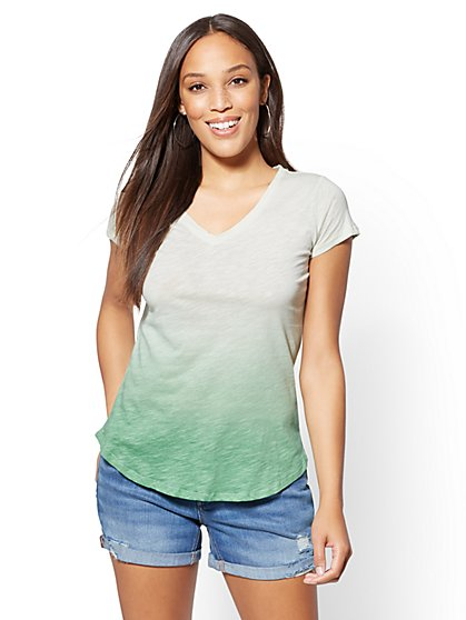 Hampton Ombre V-Neck Tee - New York & Company