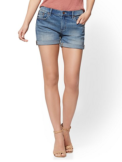 Soho Jeans - Bowery 4 inch Boyfriend Short - Blue Revolution Wash - New York & Company