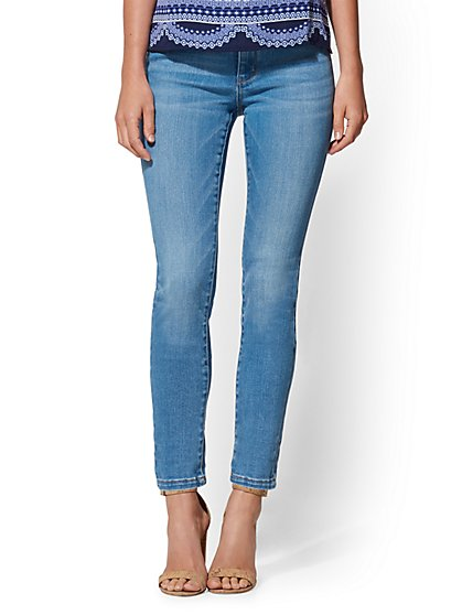 Soho Jeans - High-Waist Legging - Heartbreaker Blue Wash - New York & Company