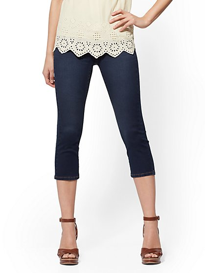 Soho Jeans - High-Waist Pull-On Crop Legging - Rinse - New York & Company