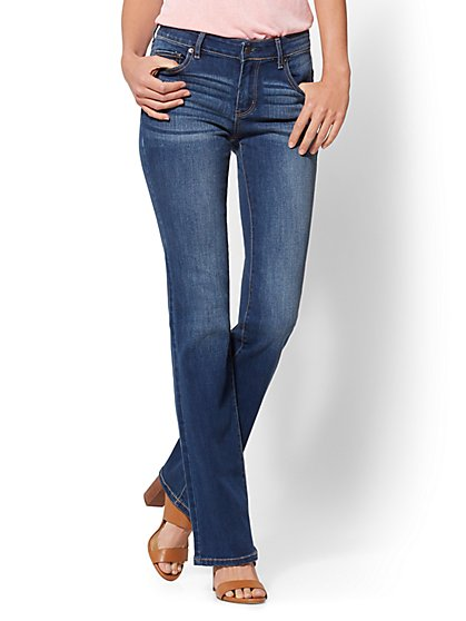 Soho Jeans - Petite Curvy Bootcut - Force Blue - New York & Company