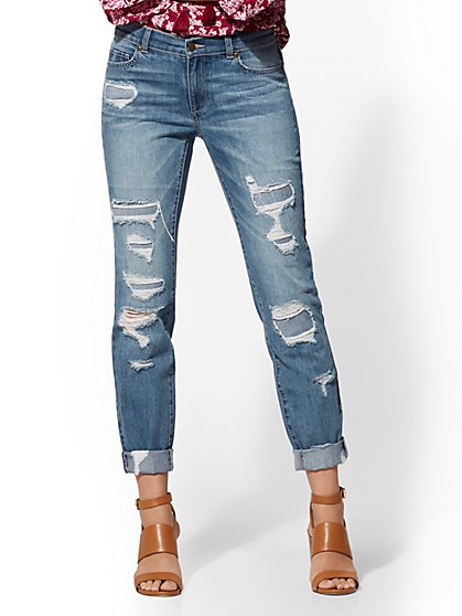 Soho Jeans - Retro Destroyed Curvy Boyfriend - Force Blue Wash - New York & Company