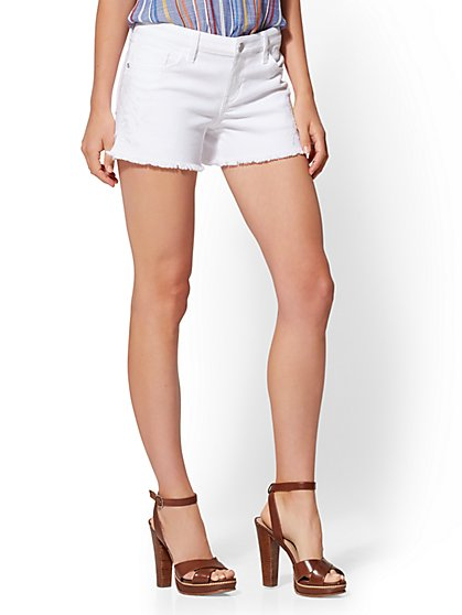 Soho Jeans - White Embroidered 4-Inch Short - New York & Company