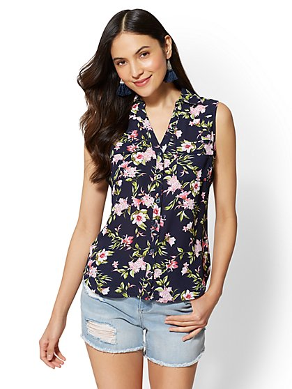 Soho Soft Shirt - Floral Envelope-Back Top - New York & Company