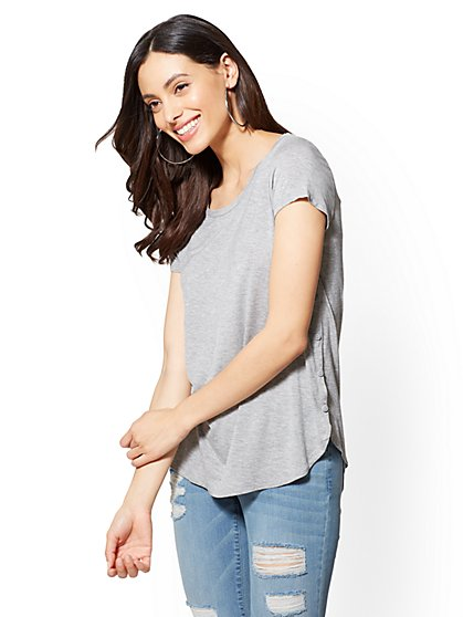 Soho Soft Tee - Button-Accent Scoopneck - New York & Company