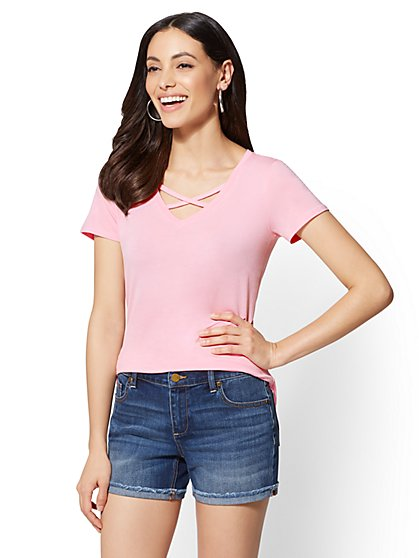 Soho Soft Tee - Crisscross V-Neck T-Shirt - New York & Company