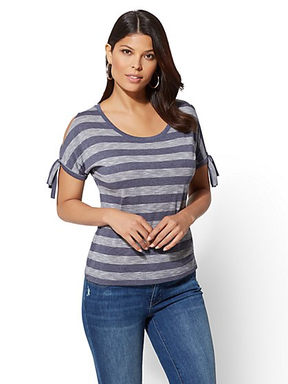 Soho Soft Tee - Stripe Split-Neck Side Tie - New York & Company