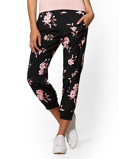 Soho Street - Black Floral Slim Jogger - New York & Company