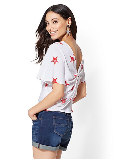 Soho Street - Star-Print Twist-Back Tee - New York & Company
