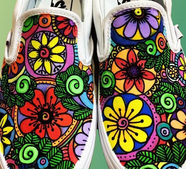canvasshoeswithsharpiedesignstile.jpg