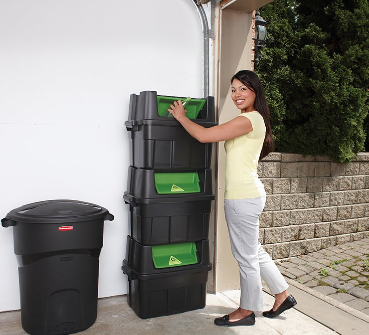 Rubbermaid stackable recycle bins and garbage trash can