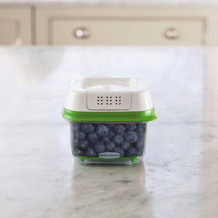 Rubbermaid FreshWorks produce storage container berries