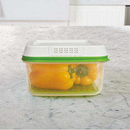 Rubbermaid FreshWorks produce storage container peppers