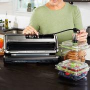 FoodSaver® FM5460 2-in-1 Food Preservation System image number 3