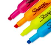 assorted color highlighters image number 3