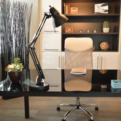 How To Make the Best Use of Space With a Small Office