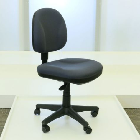 Seat adjusted to lowest height