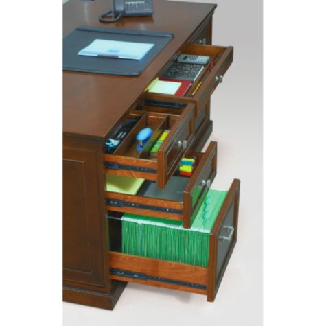 Full extension glides on all drawers