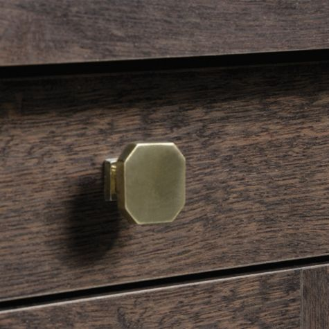 Close up of top drawers hardware