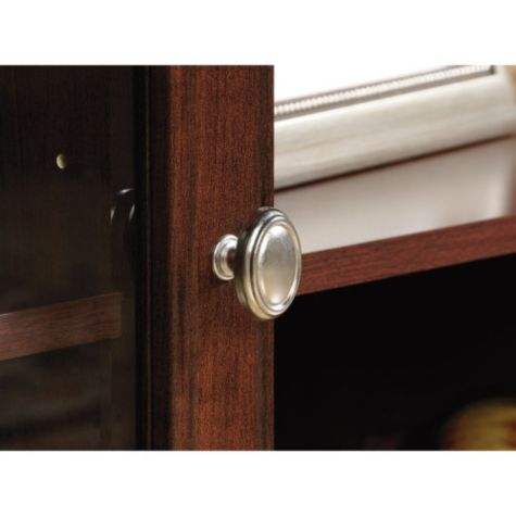 Close up of cabinet pull