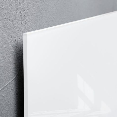 Close up of White glass edge