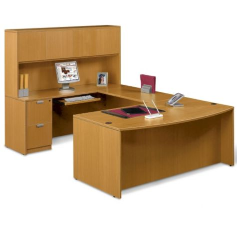 U-Desk shown with Hutch