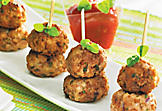 Frikkadel brochettes (seasoned meatballs)
