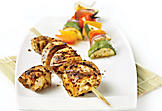 Chicken brochettes with tapenade