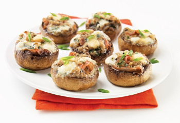 Recipe mushroom prosciutto and blue cheese canap s for Blue cheese canape