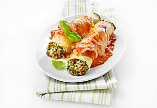 Cannelloni with dried tomatoes, spinach and ricotta