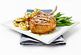Barbecue pork chops with honey and thyme
