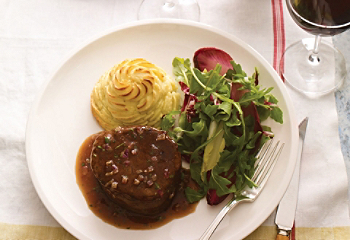 Filet mignon with bordelaise sauce and caramelized red onions