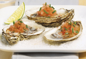 Oysters with lime juice and espelette pepper