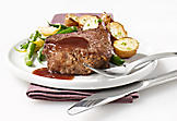 Venison medallions with red wine and chocolate sauce