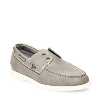Madden\\\'s GREYSEN boat shoe is perfect for a little man on the move. Moc toe stitching and 360 lacing system. Man-made upper material Man-made sole Moc toe Laceless styling Slip-on with decorative 360 lacing system Boy\\\'s boat shoes
